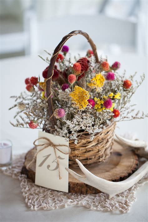 24 Dried Flower Arrangements That Are Perfect for a Fall