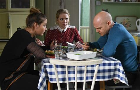Lauren discovers Max's plan to destroy the Square in