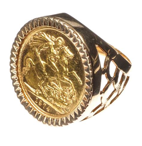 9CT GOLD SOVEREIGN RING