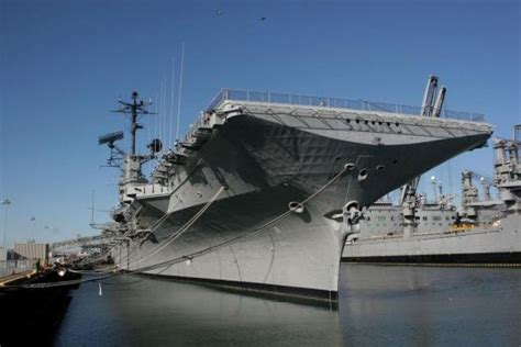 Tribute in Alameda to Neil Armstrong planned for USS
