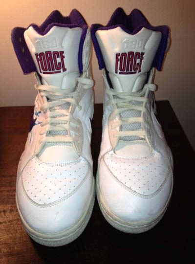 This Week on eBay // December 30-January 5 | Sole Collector